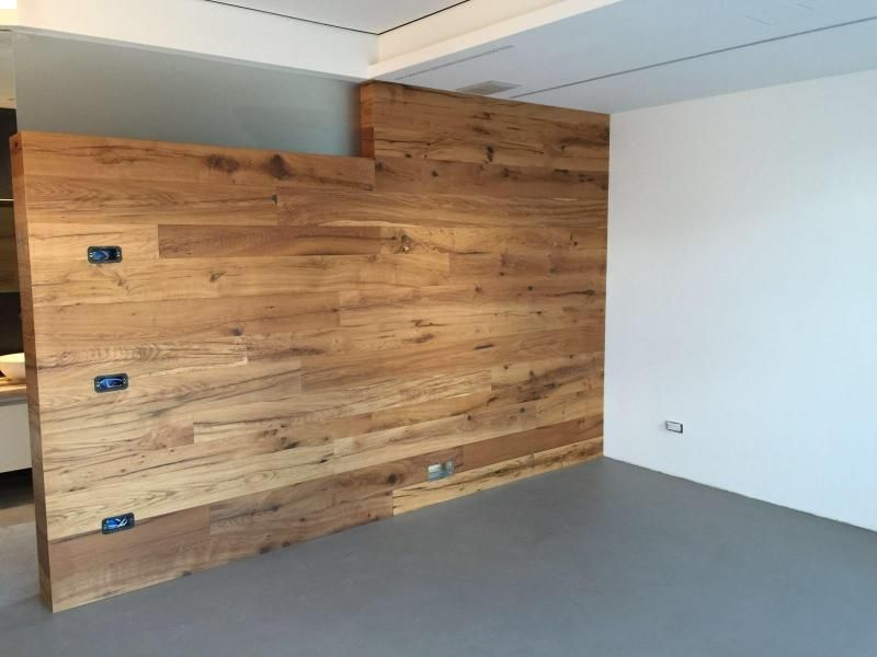 abitazione-privata-parete-in-rovere-di-recupero