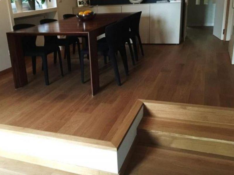 abitazione-privata-in-citta-posato-pavimento-con-classica-plancia-in-rovere-naturale