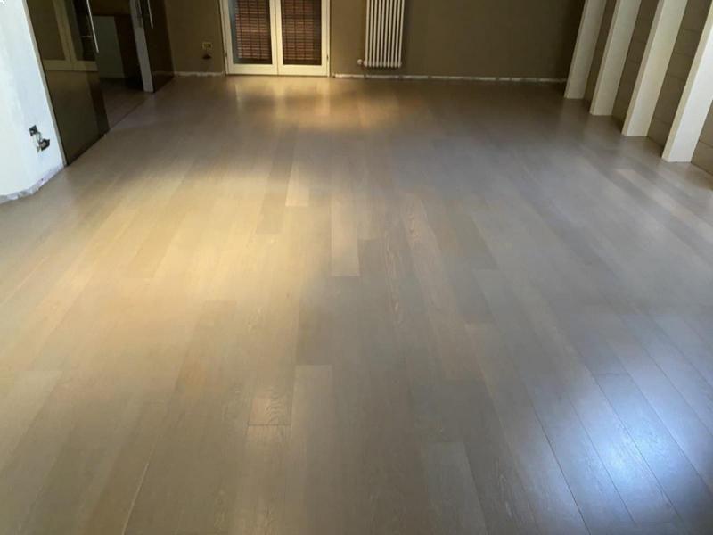 Abitazione privata – pavimento in Rovere tinto Ash