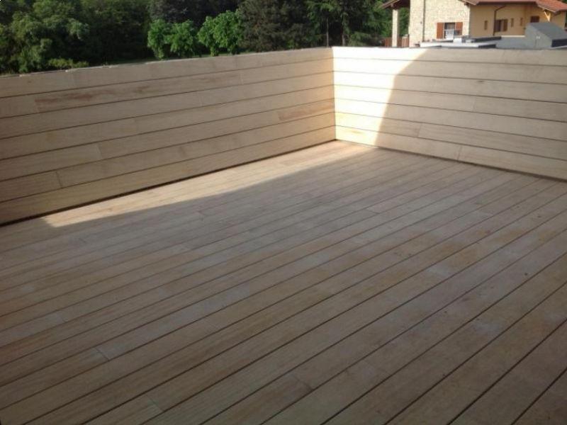 abitazione-privata-bergamasca-terrazza-esterna-realizzata-in-legno-accoya